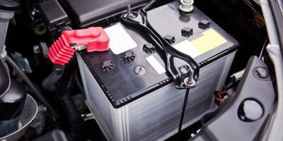 O czym należy pamiętać podczas wymiany akumulatora?